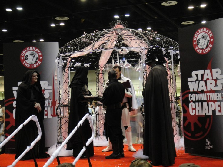 Star_Wars_Celebration_V_-_Sith_ceremony_at_the_Commitment_Chapel_(4940421391).jpg